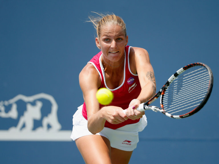 2016 US Open runner-up Karolina Pliskova routs Czech Compatriot Lucie Safarova to reach the round of sixteen of the 2016 Dongfeng Motor Wuhan Open.
