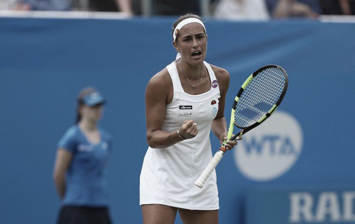 Olympic gold medalist Monica Puig moves past American Varvara Lepchenko in the first round of the 2016 Toray Pan Pacific Open.