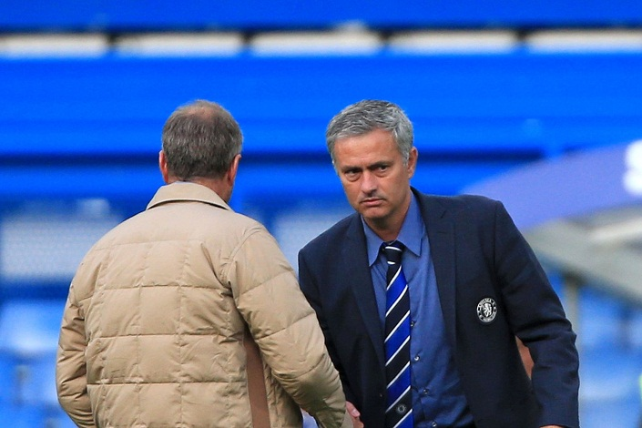 Chelsea manager reacts to Mourinho's insults after 4 - 0 humiliation