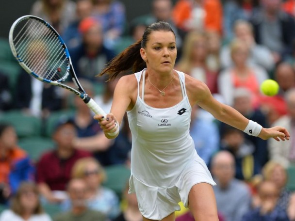 Agnieszka Radwanska eases past Yaroslava Shvedova to reach the final four of the 2016 China Open.