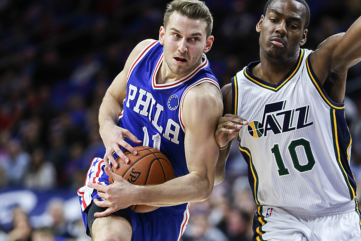 Hayward scores 28 in season debut, leads Jazz over Knicks